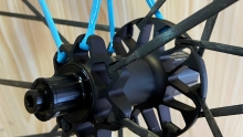 分体碳条轮买不买? 简谈碳辐条轮组的优与劣