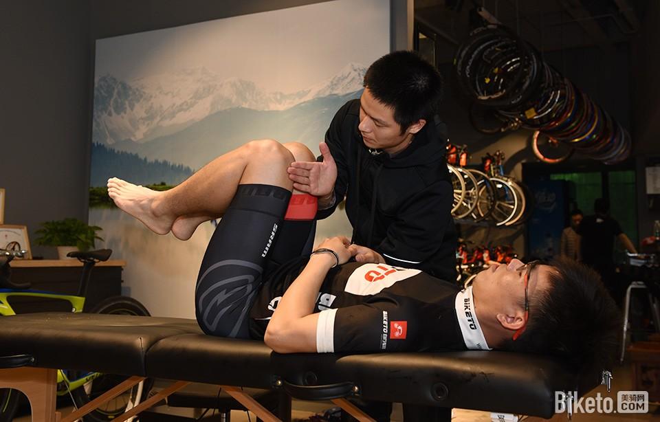 SPECIALIZED Body Geometry Fit核心肌肉群力量检查