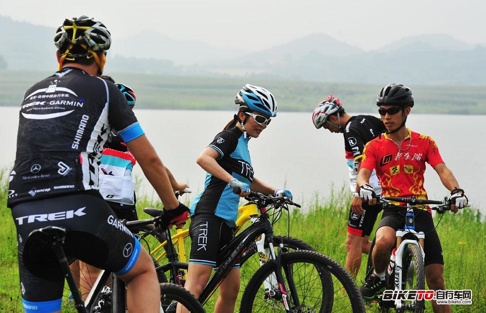 TREK 2014经销商大会 密云湖试骑29er山地车