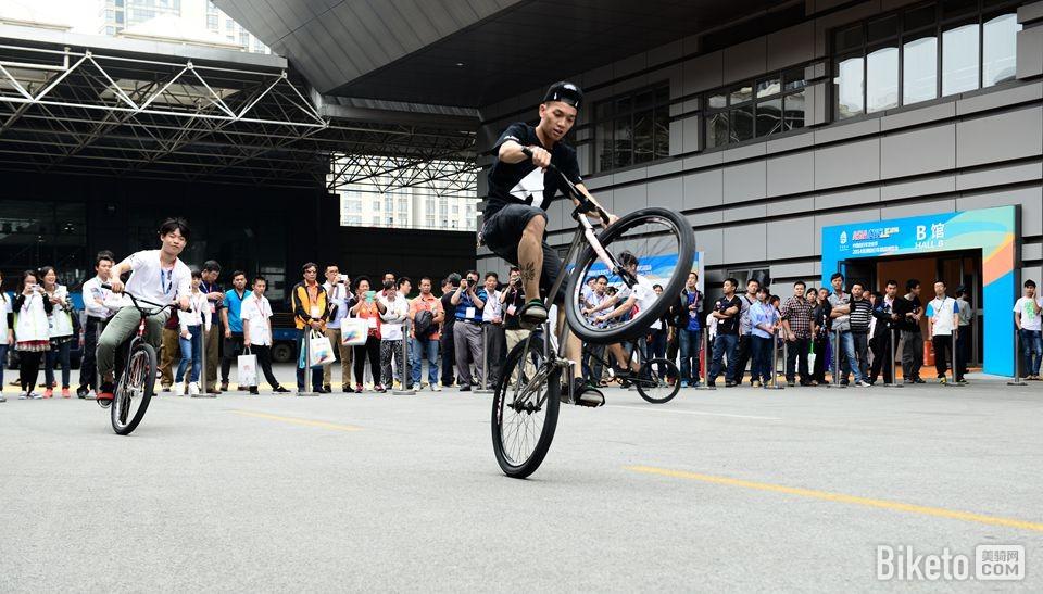 昆山亚洲自行车精品展 表演