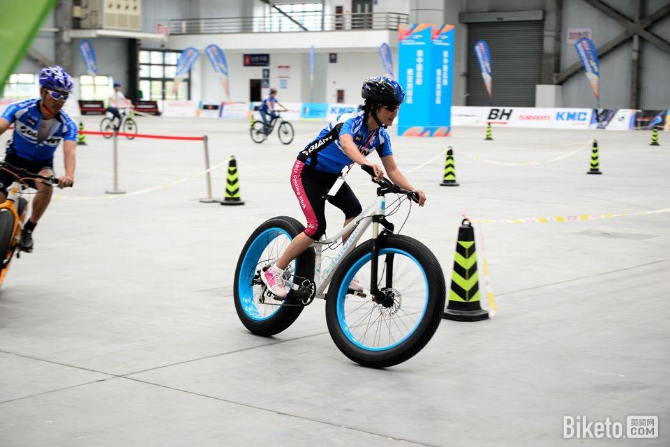 昆山亚洲自行车精品展 试骑