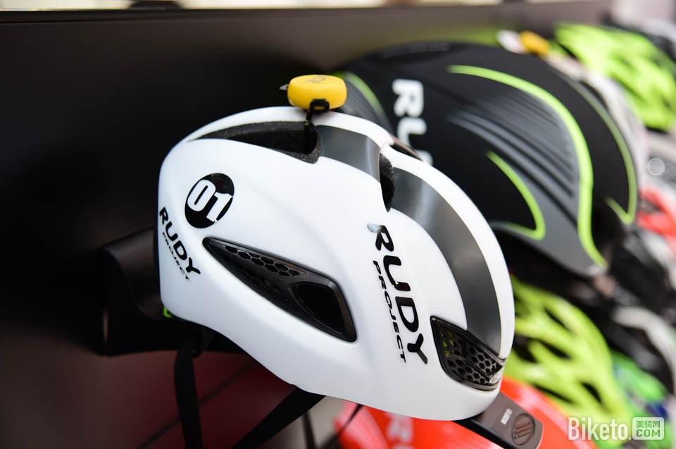 """RUDY这款""""01""""头盔"""