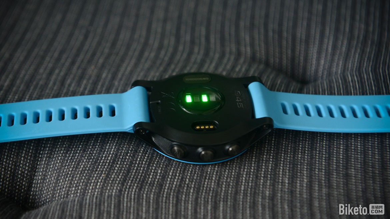 李明灏体验:纯粹、运动 佳明Forerunner945腕表