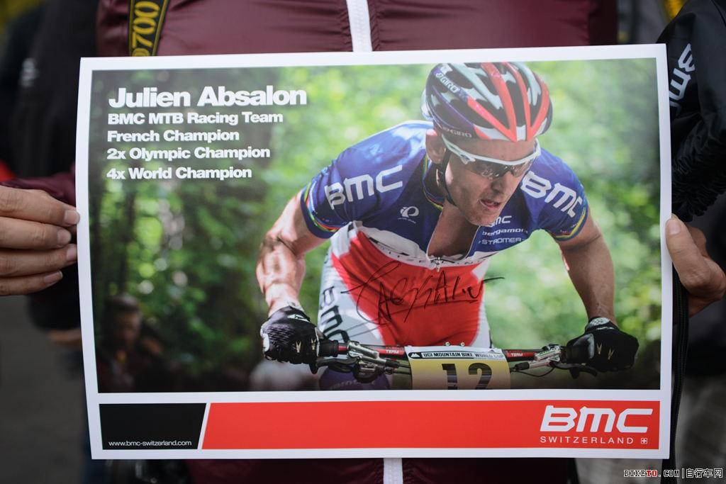 Julien Absalon的签名海报