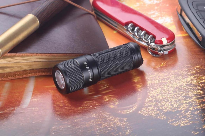 Fenix-E15-Flashlight-Size2.jpg