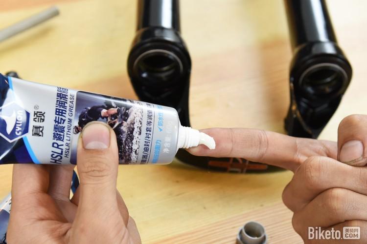 用了它前叉滑滑滑 赛领HSLR避震专用润滑脂