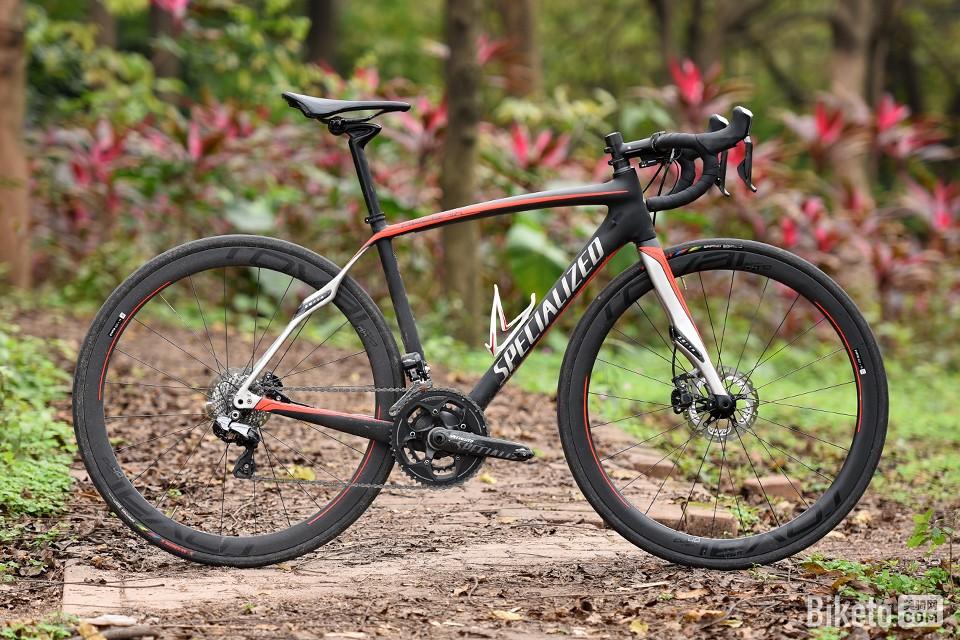 鲁贝五冠王:Specialized Roubaix Pro Race Disc 评测鲁贝五冠王:Specialized Roubaix Pro Race Disc 评测