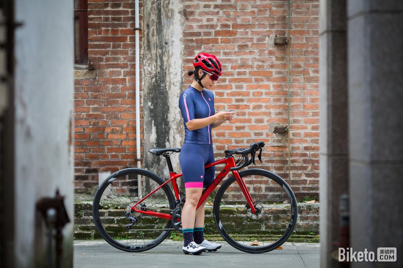 速盟SOOMOM,LANCESOBIKE,瑞亚女士骑行服,夏季,骑行短袖上衣,骑行短裤,简约