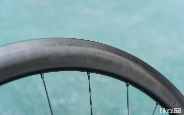 亲身口述 3XXX元买的品牌公路碟刹碳轮是什么体验?
