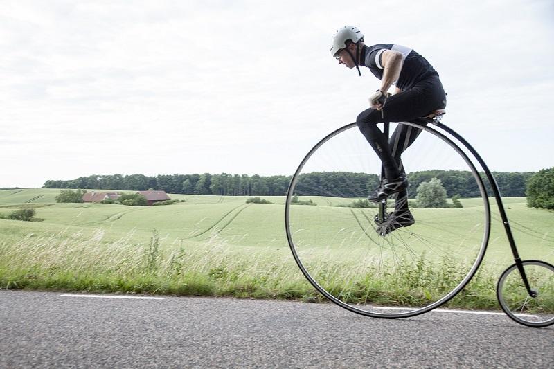 大小轮自行车
