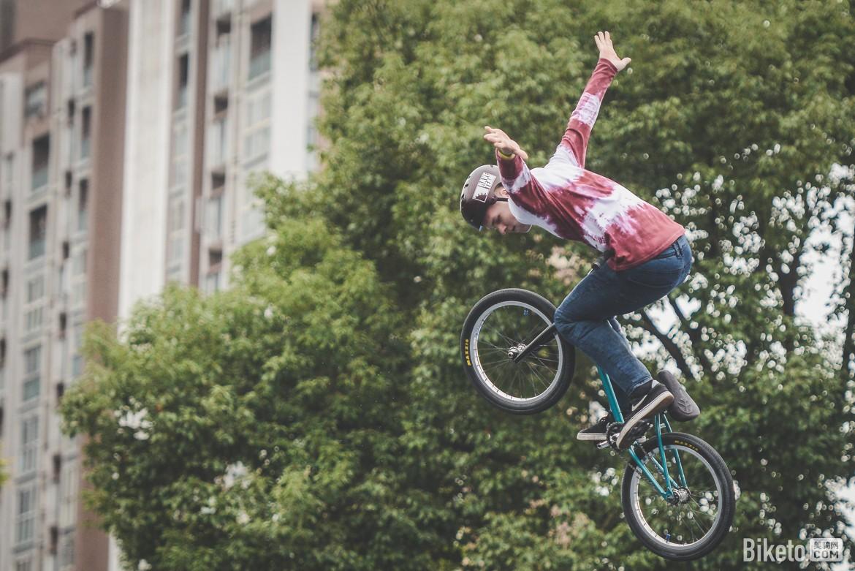 UCI都市自行车赛Day3 腾飞 欲与天比高低