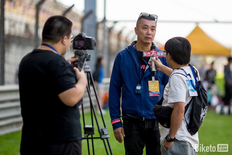 HEROS赛事总监吕品接受电视台采访