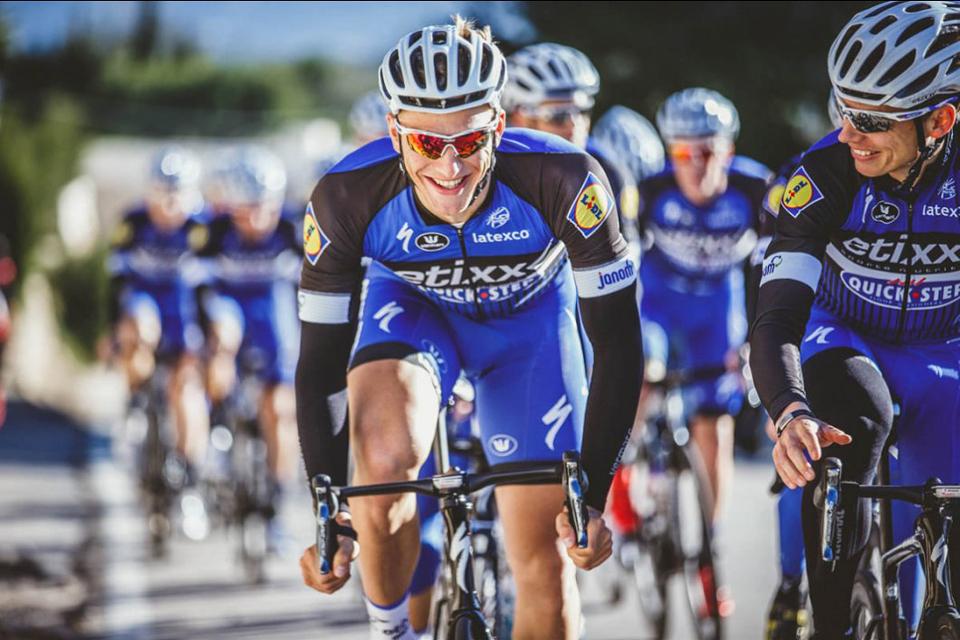 单车快讯丨走进快步车队 Etixx Calpe训练营