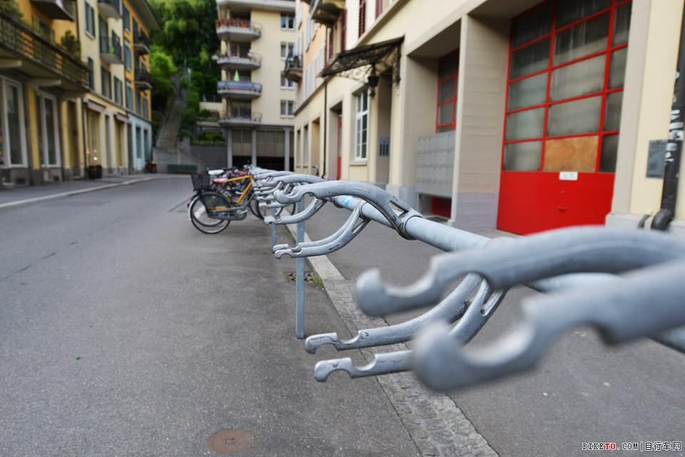 瑞士自行车停车架