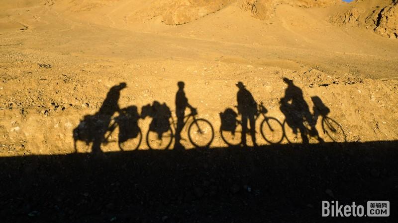 旅行达人丨风景采集师羊羊 不按套路走的单车姑娘_骑行新藏川藏