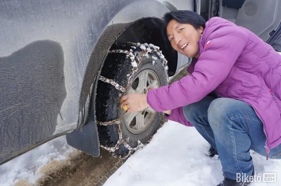 年轻的藏族司机