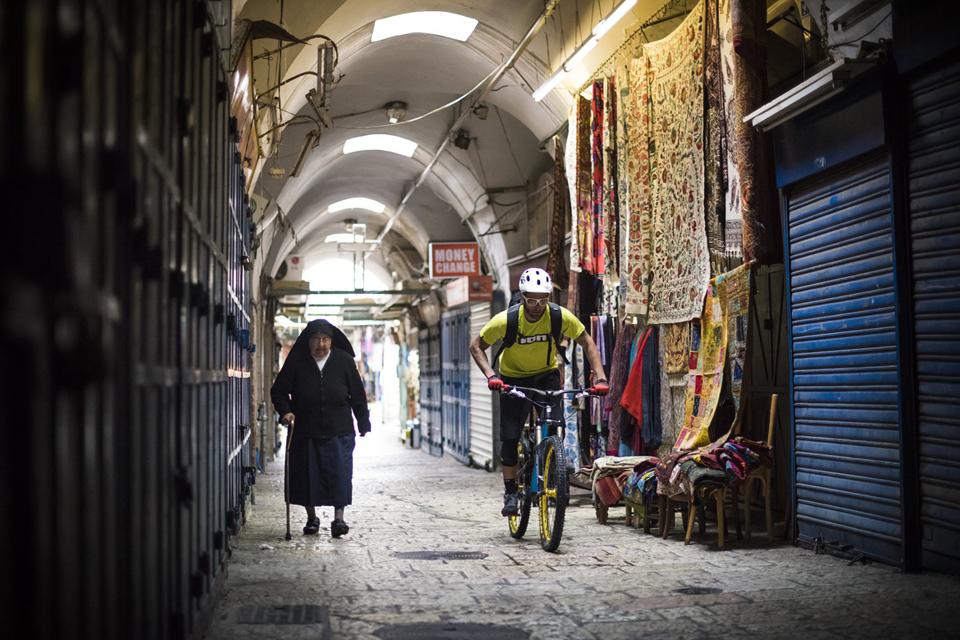 耶路撒冷旧城骑行