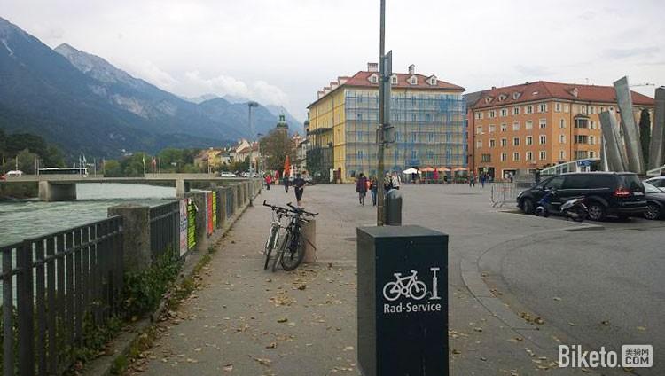 公共自行车服务设施
