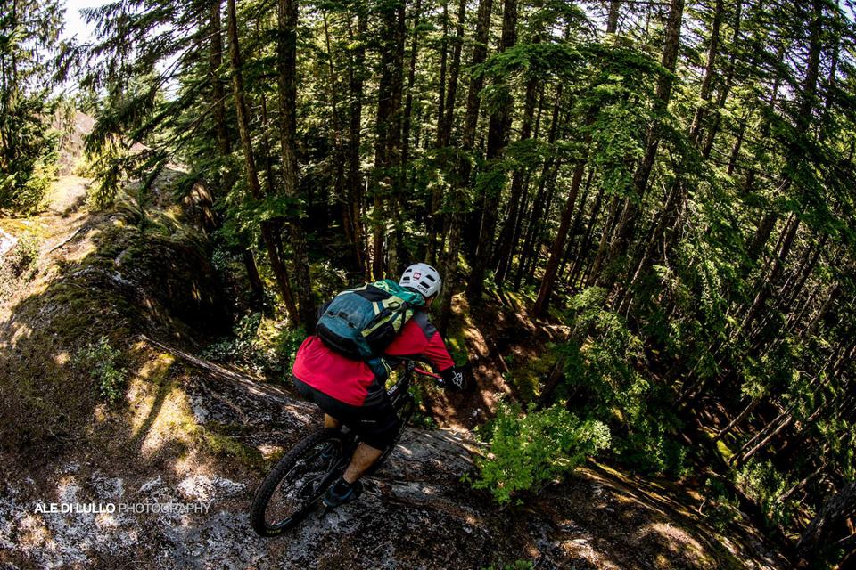 豪气冲天的山地车玩法-加拿大.jpg