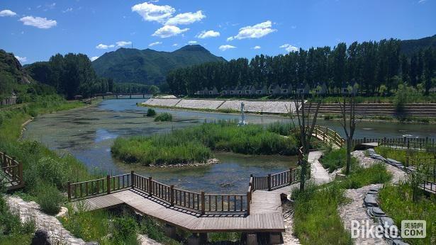 宝山镇附近白河风景区