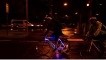 夜骑时千万不能做的3件事!