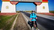 父女俩的青海环湖骑行(6)姑娘说,咱们可以四天骑完的