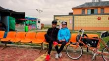 父女俩的青海环湖骑行(2)爬坡爆胎缺氧,今儿算是个闷棍