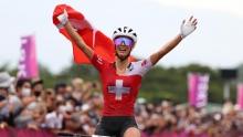 奥运女子山地:泡面姐内芙获得冠军,瑞士包揽领奖台